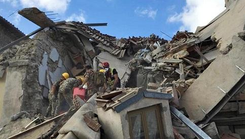Procuradoria deve indiciar 12 pessoas por terremoto na Itália
