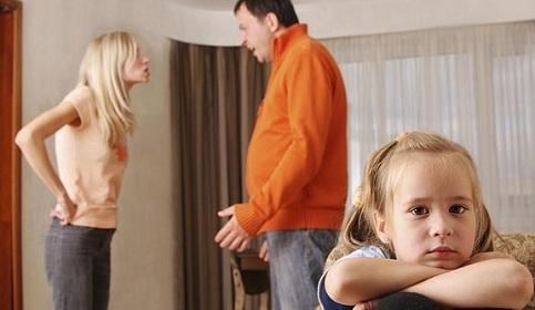 """Na Itália, depois da separação dos pais, uma criança em cada três se torna """"orfã involuntária"""""""