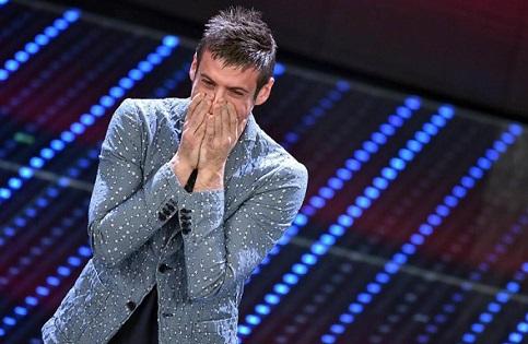 Francesco Gabbani vence na categoria Novas Propostas