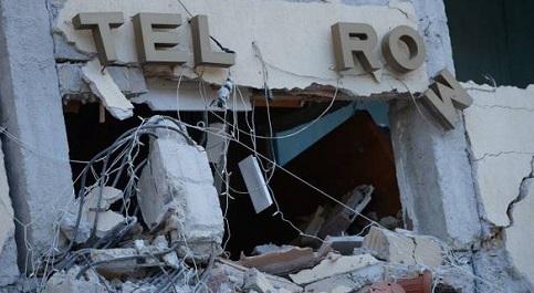 Hotel hist�rico desaba ap�s terremoto