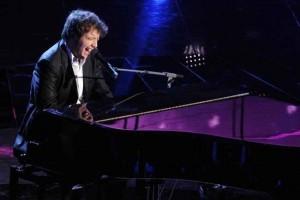 Raphael Gualazzi vence o Festival de Sanremo 2011 na categoria dos jovens