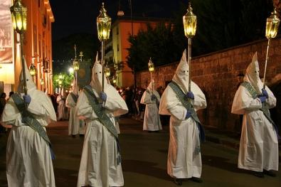 Rituais antigos na Semana Santa na ilha da Sardegna