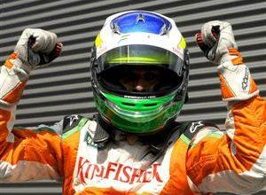 O italiano Giancarlo Fisichella, da fraca Force India, conquistou a poli-position, a quarta de sua carreira