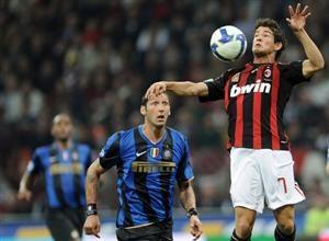 Apesar de ainda estarem engrenando na competição, Milan e Inter deverão fazer um duelo muito forte hoje às 15h45 pelo horário de Brasília