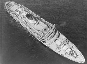 O contratorpedeiro italiano, Andrea Doria, chegará ao Brasil sob o comando do contra-almirante Fabio Rossi