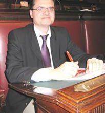 O deputado Fabio Porta é um dos deputados que representam os ítalo-sulamericanos