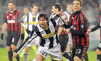 Em boa fase, Ronaldinho marcou dois para o Milan