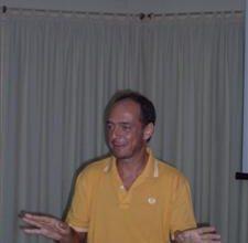 O apresentador Franco Pirrami durante a apresentação de sua palestra