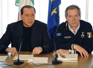 O Chefe da Casa Civil (à dir.), Guido Bertolasso, é considerado o braço direito do premier italiano (à esq.), Silvio Berlusconi